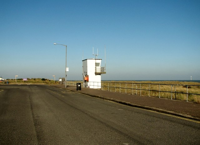 Coastguard lookout post at the end of North Drive