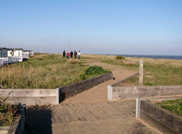Footpaths crossing at North Denes