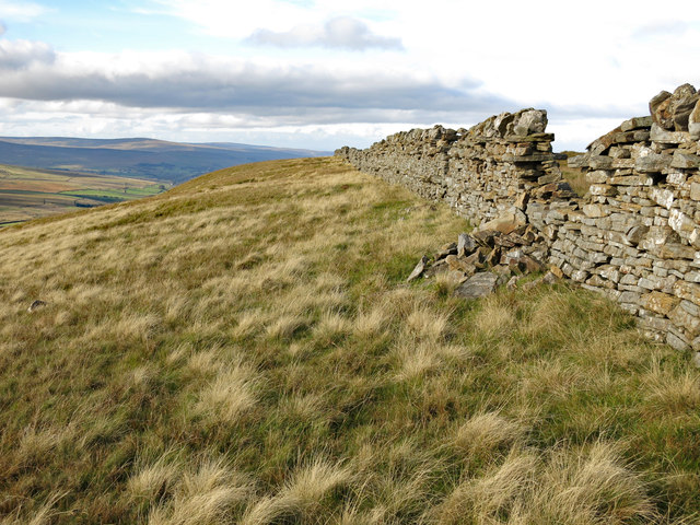 Dry stone wall above Windy Brow