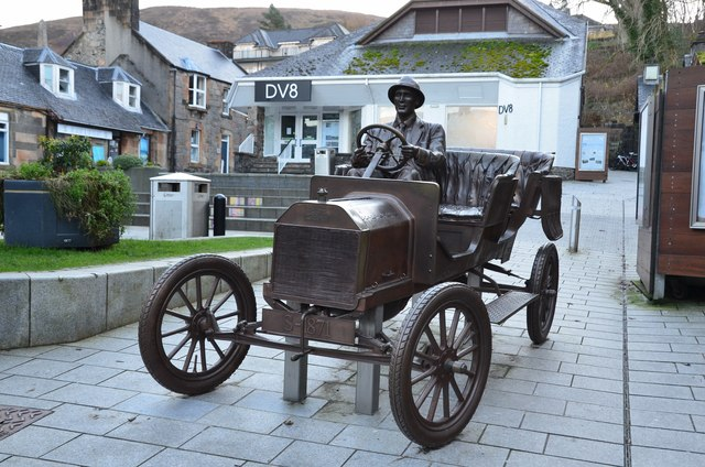 The Bronze Ford, Fort William