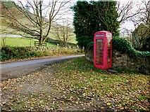 SK1789 : Red telephone box along Derwent Lane, Ladybower Reservoir by Benjamin Shaw