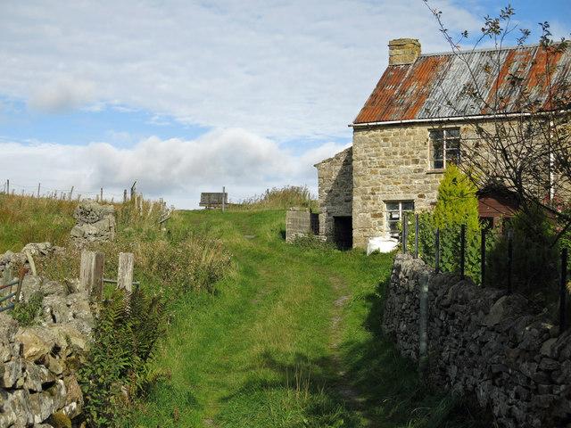 Old cottage near Poperd Hill