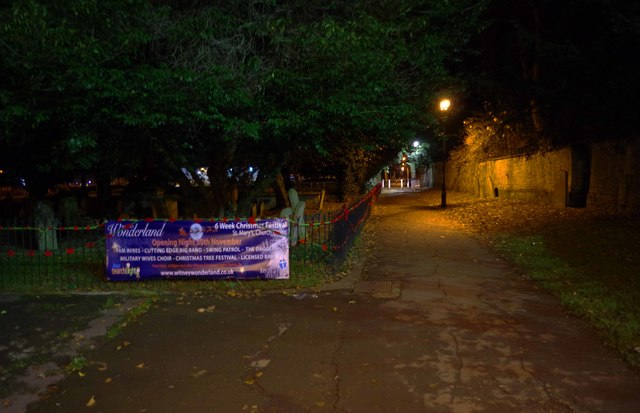 Passageway to The Leys at night, Witney, Oxon