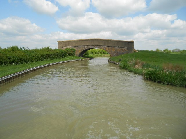 Oxford Canal: Bridge Number 126
