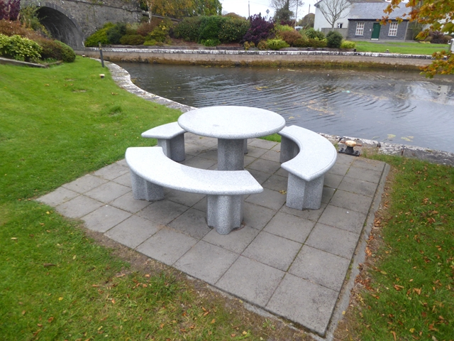 Canalside picnic table at Ballynacarrigy