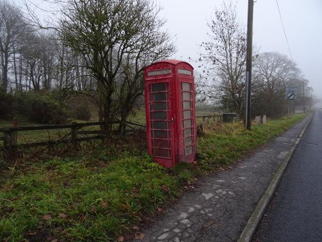 Telephone box on Moor Road, Bramhope