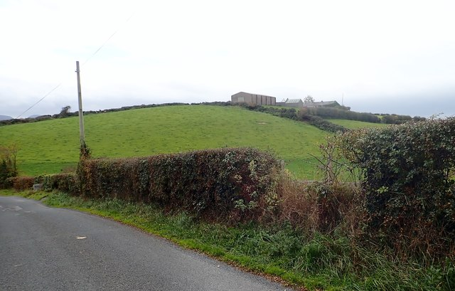 Drumlin-top homestead