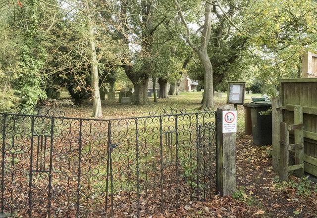 St Mary, Hinderclay - Churchyard