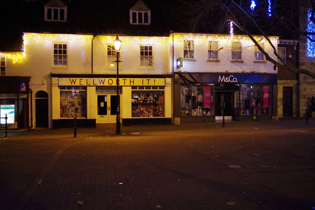 Wellworth It! and M & Co. at night, Christmas 2016, Witney, Oxon