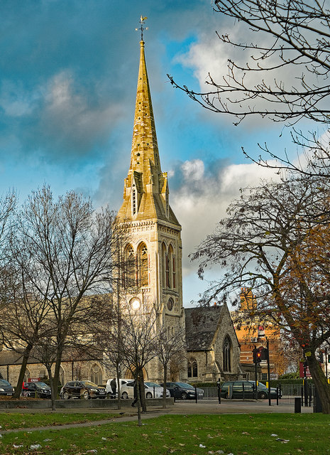 Wood Green : St Michael's Church