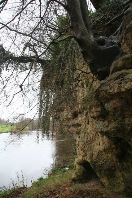 Jackdaw Crag on the River Wharfe, Boston Spa (2)