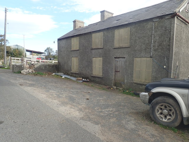 Boarded up houses at the Western end of Islandmoyle Road
