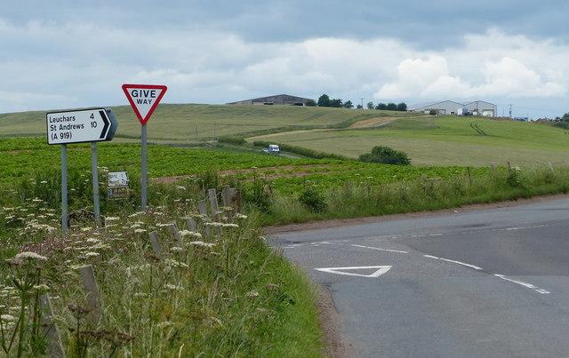 B946 junction near Wormit