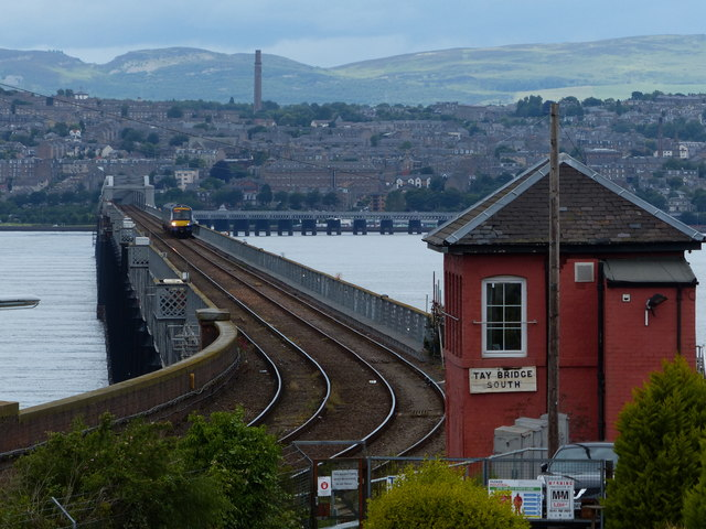 Signal box at Tay Bridge South