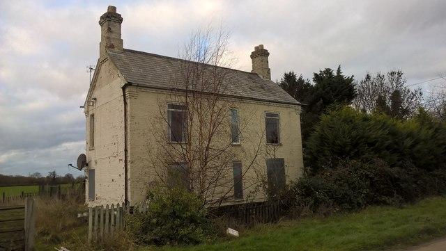 Derelict farmhouse on Hurn Road, Werrington