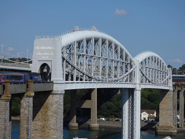 Western end of the Royal Albert Bridge