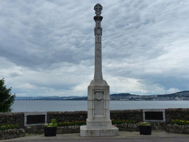 War memorial in Newport-on-Tay