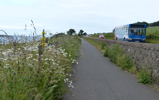 Fife Coastal Path towards Tayport