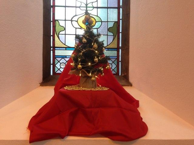 Christmas window decoration, Trinity Church