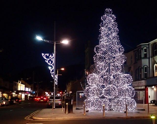 Christmas tree in Main Street, Newcastle, 2018