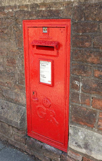 Postbox, Clifton
