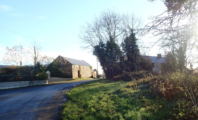 Derelict farmhouse and outbuildings on the Cloghinney Road