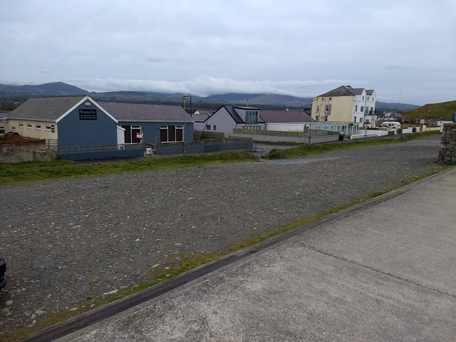 Restaurants and hotels at Dinas Dinlle