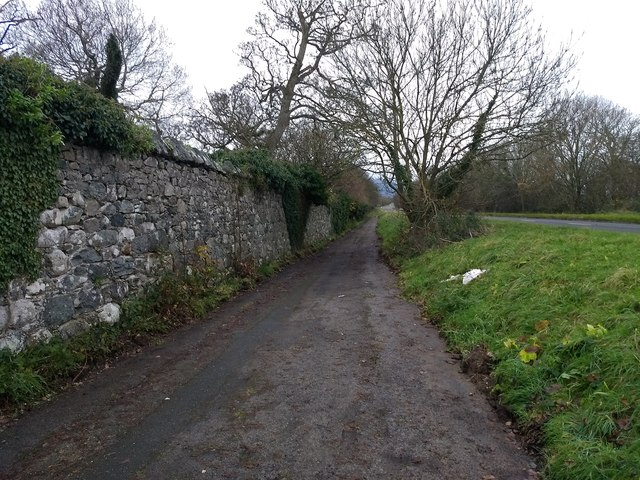 The old road next to the A499