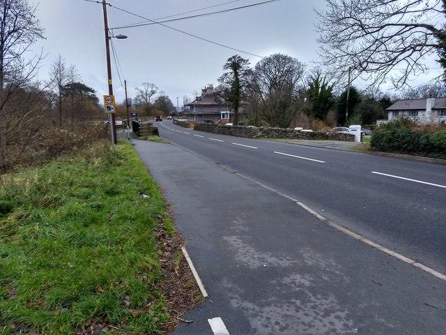 The A499 near Bethesda Bach