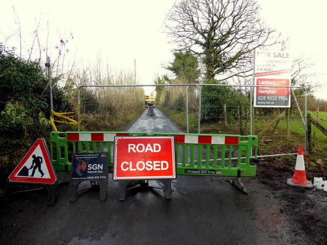 Road Closed notice, Cranny