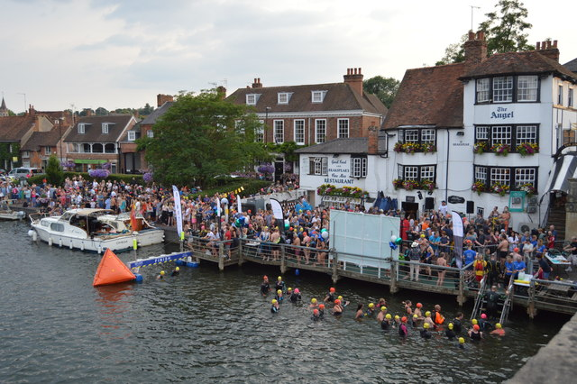 Openwater swimmers at The Angel