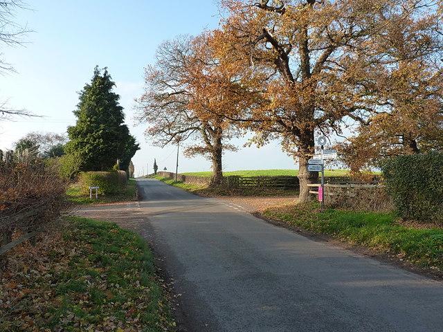 Junction of lanes just north of Ellerdine Heath