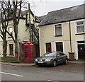 ST1494 : Red phonebox, Bedwlwyn Road, Ystrad Mynach by Jaggery
