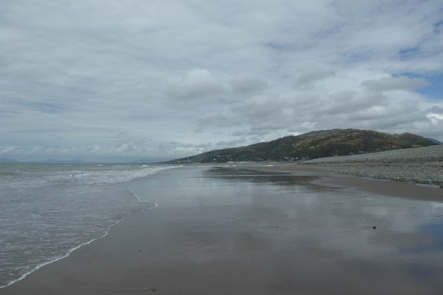 Exposed sand at Fairbourne