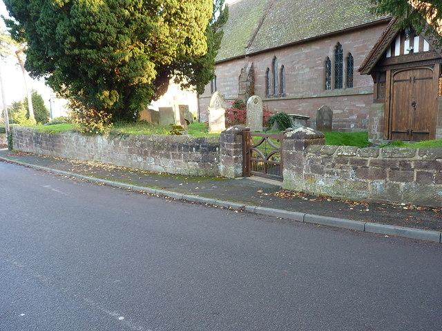 Churchyard boundary wall, Waters Upton