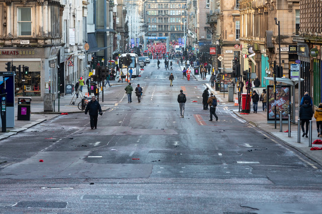St Vincent Street in Glasgow Centre closed to traffic after the Santa Dash 2018
