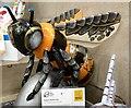 SJ8397 : Robot Battle Bee by Gerald England