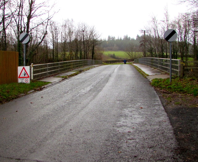 End of the 30mph speed limit, Bailihelig Road, Llanfaes, Brecon