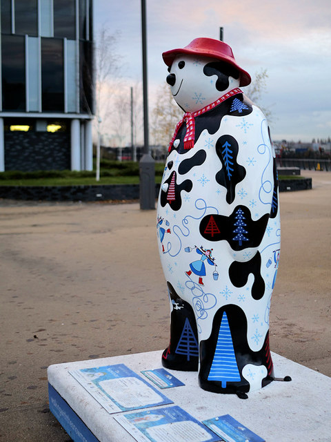 Walking with the Snowman™ #8, Eight Maids a-Milking
