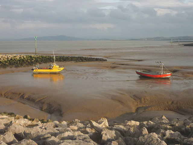 Boats on the mud by the Stone Jetty