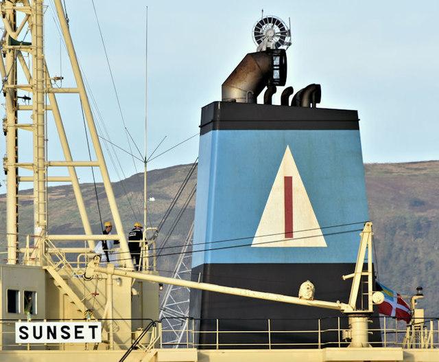 """The bulk carrier """"Sunset"""" (funnel), Belfast harbour (December 2018)"""