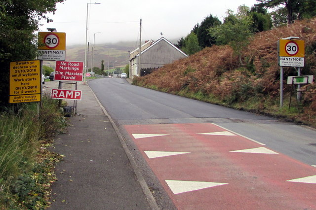 Start of the 30 zone at the southern edge of Nantymoel