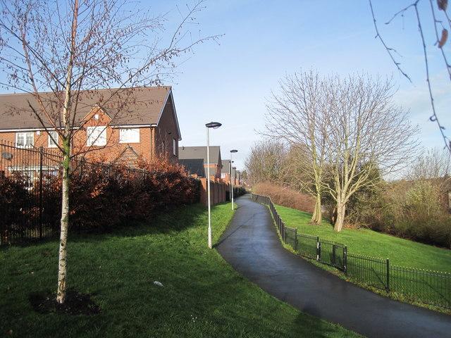 Footpath to Summerhill Park