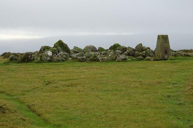 Trig point and rocks, Hergest Ridge