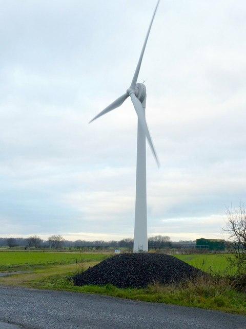 Wind turbine near Gowdall