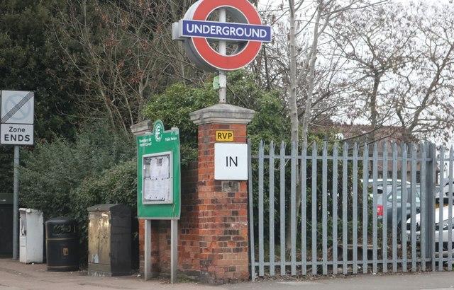 The entrance to Buckhurst Hill Station
