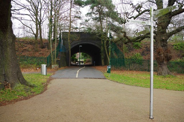 Footpath & cycleway to Prince's Way, Solihull
