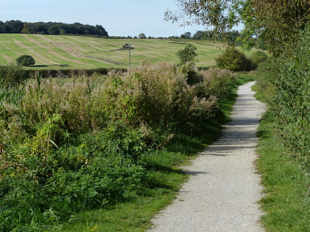 Towpath along the disused Grantham Canal