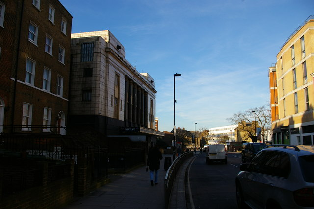 Looking north up Highgate Road