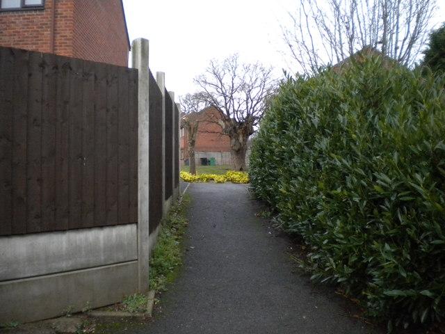 Footpath to Shepherds Walk, Charford